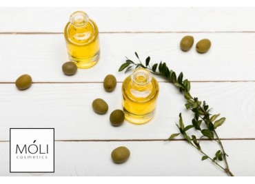 5 способов использовать оливковое масло в уходе за собой.